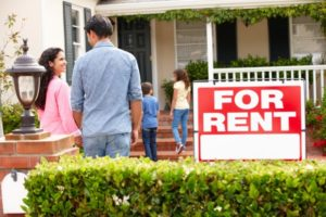 Should You Buy a House or Rent When You Move To a New City
